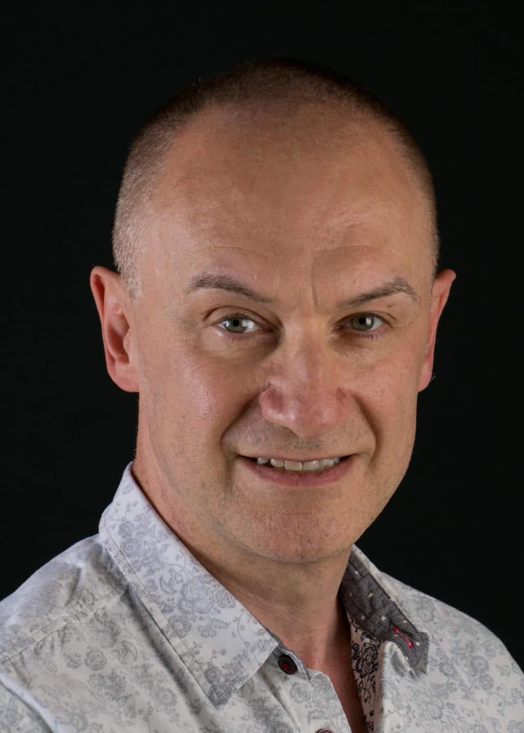 Dr Simon Agabeg